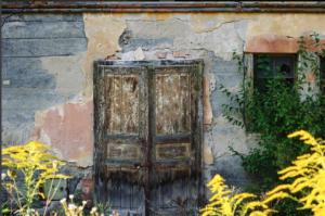 abandoned-nashville-door